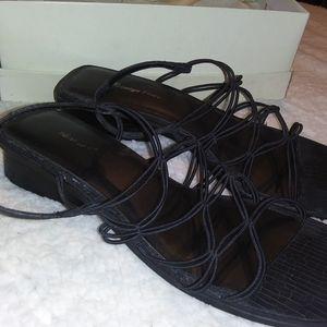 Carriage Court Size 10M Black Dress Sandals